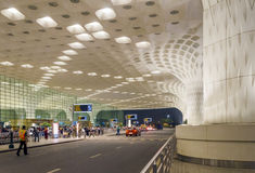 Mumbai, Inde - 5 janvier 2015 : Visite de touristes Chhatrapati Shivaji International Airport Images stock