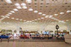 Mumbai, Inde - 5 janvier 2015 : Visite de touristes Chhatrapati Shivaji International Airport Photographie stock