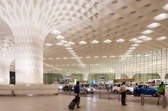 Mumbai, Inde - 5 janvier 2015 : Visite de touristes Chhatrapati Shivaji International Airport Image stock
