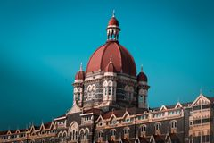 Mumbai, 14,2019 India-Maart: het taj mahal hotel in de stad cente, de Gateway van India royalty-vrije stock afbeelding