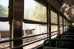 Mumbai Indien, 20 november 2018/indisk offentlig busserfarenhet arkivbild