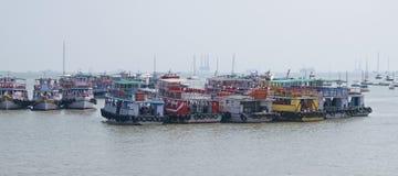 Mumbai promy cumujący w Arabskim morzu Obraz Royalty Free