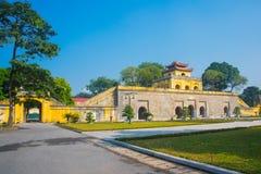 MUMMEL NOI, VIETNAM Hanoi citadell som är imperialistisk av Thang länge royaltyfri foto