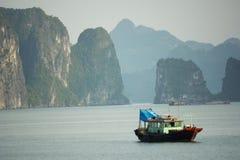 Mummel skäller länge - Viet Nam Arkivfoto