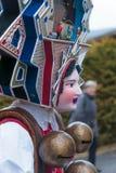 Mummers &#x28 för nytt år; Silvesterchlausen) i Urnasch Appenzell Royaltyfri Foto