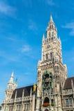 Munchen Nowy urząd miasta Marienplatz Zdjęcia Stock