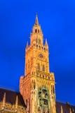 Munchen nytt stadshus Marienplatz Arkivfoton