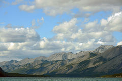 Muncho jezioro i góry, kolumbiowie brytyjska, Kanada Fotografia Stock