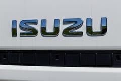 Muncie - около апрель 2018: Isuzu едет на автомобиле дилерские полномочия тележки Isuzu японский изготовитель автомобиля неиндиви Стоковое Изображение RF