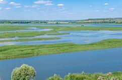 Mund des Sviyaga-Flusses stockfotos