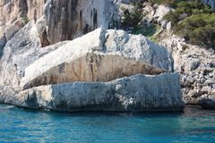Mund-Felsen im Wasser Stockfotografie