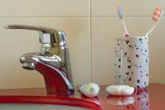 Mundhygiene zu Hause Stockfotos