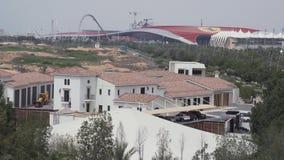 Mundo Abu Dhabi y Yas Marina Circuit de Ferrari en la isla de Yas en Abu Dhabi imagenes de archivo