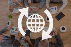 Mundo com ícone das setas contra o fundo da reunião ilustração stock