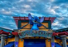 Mundo de la tienda de Disney Imágenes de archivo libres de regalías