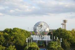 Mundo 1964 de Nueva York s Unisphere justo en el parque de Flushing Meadows fotografía de archivo libre de regalías