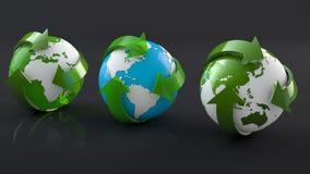 Mundo de reciclagem vivo verde Foto de Stock Royalty Free