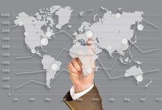 Mundo del negocio, empuje en mapa del mundo virtual Imagen de archivo