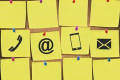 Mundo do Internet na almofada de nota Imagem de Stock