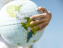 Mundo em sua mão Foto de Stock Royalty Free