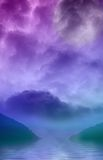 Mundo púrpura y reflexiones Fotos de archivo libres de regalías