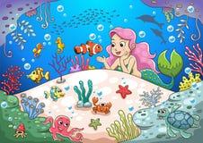 Mundo subacuático de la sirena linda de la historieta libre illustration