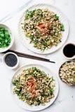 Mung τα φασόλια βλαστάνουν την πικάντικη σαλάτα Στοκ εικόνα με δικαίωμα ελεύθερης χρήσης