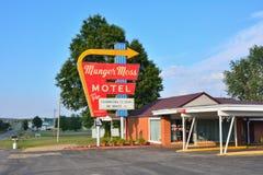 Munger Moss Motel en uitstekend neonteken royalty-vrije stock fotografie