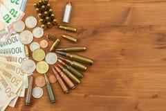 Munição do mantimento, armas e vendas da munição Fotografia de Stock