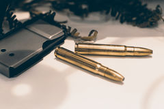 Munição para o rifle com um compartimento Balas do rifle Fotos de Stock Royalty Free