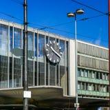 MUNICH, Alemanha - 18 de agosto de 2017: Ideia da estação central Hauptbahnhof Nord de Nord antes da renovação imagem de stock royalty free