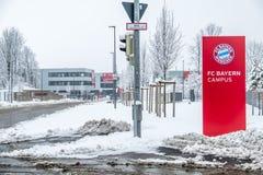 Munich, Alemanha - 18 de fevereiro de 2018: O terreno de Baviera é coberto com a neve após a tempestade da neve Imagem de Stock Royalty Free