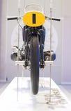 MUNICH - ALEMANIA, EL 17 DE JUNIO: Motocicleta Front View Shown de BMW RS 255 Imagen de archivo libre de regalías