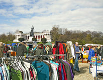 Munich-Alemania, mercado de pulgas del aire abierto Foto de archivo libre de regalías