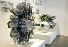 MUNICH, ALLEMAGNE - 1ER JUIN 2012 : moteurs des voitures et de l'avion à l'exposition du musée de BMW Photo stock