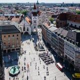 MUNICH, Allemagne - 5 mai 2018 : Vue scénique aérienne de l'Altes Rathaus, Marienplatz, centre de la ville de Munich photos stock