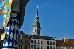 Munich altera a Peter Viktualienmarkt foto de archivo libre de regalías