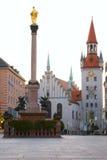 munich för stadsger medeltida monument fyrkant fotografering för bildbyråer
