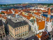 Munich gammal stad Hall View från St Peters Arkivbild