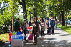 Munich 24 09 2016 - Lisar (som läser på Isar) bokloppmarknad Arkivbilder