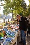 Munich 24 09 2016 - Lisar (som läser på Isar) bokloppmarknad Arkivfoto