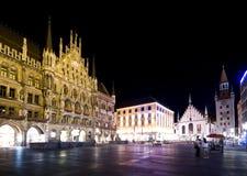 Munich na noite, Marienplatz Fotografia de Stock