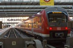 Munich Tyskland 27 Augusti 2014: MÃ-¼ nchen centralstationen Royaltyfri Fotografi