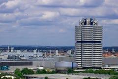 Munich Tyskland - 06 24 2018: BMW museum och fyra-cylinder i mu arkivfoton