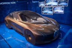 Munich Tyskland - December 16, 2018: Utställning av nya modeller av bilar på BMW bården BMW VISION DÄREFTER 100 arkivbilder