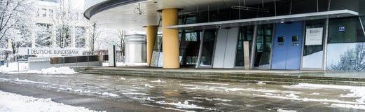 Munich Tyskland - Februari 18 2018: Den tyska Bundesbanken varnar mot följder av svart noll Royaltyfri Fotografi