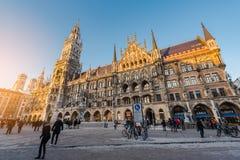 Munich Tyskland - Janurary 20, 2017: Marienplatzen är centra Royaltyfri Fotografi