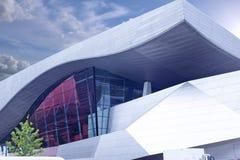 MUNICH - TYSKLAND, JUNI 17: BMW museumbyggnad som skjutas i Juni 17, 2 Arkivbilder