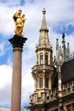 Munich Tyskland, Mariensaulen (kolonnen av den jungfruliga Maryen) Royaltyfri Foto