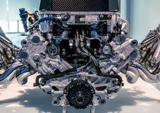 Munich Tyskland - mars 10, 2016: Bilmotor i BMW museet Arkivbild